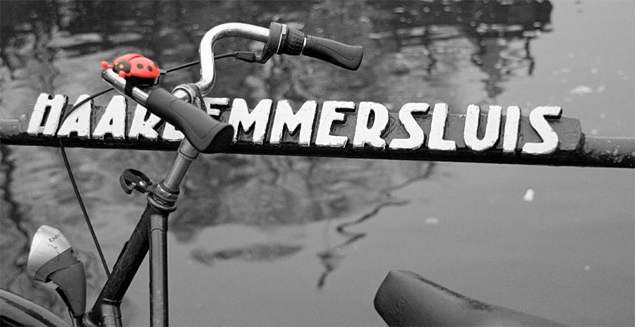 IMAGE: http://chuck-d.net/images/potn/EuroTrip2008/Haarlemmersluis.jpg